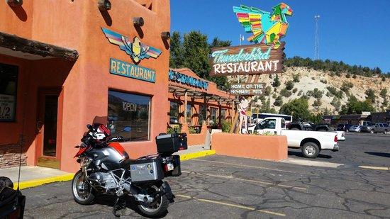 Thunderbird Restaurant: Thunderbird parking