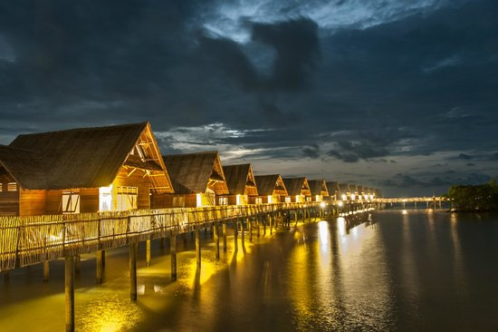 Telunas Private Island : Villas are generously spaced within the island for maximum privacy