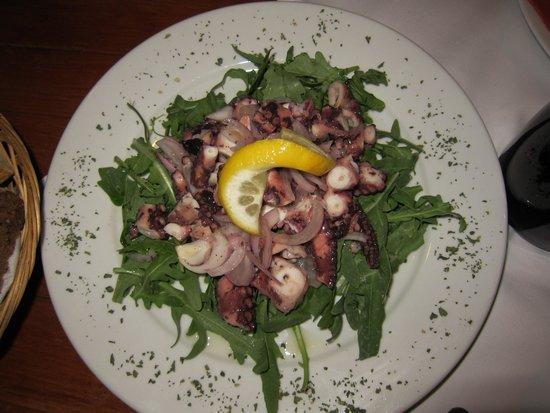 Konoba Komin: Octopus salad