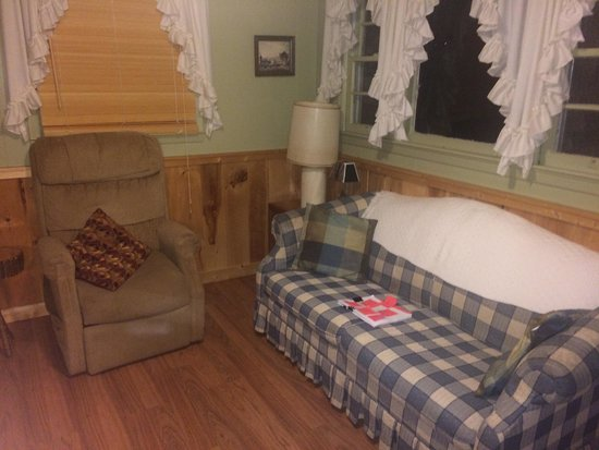 Meadowbrook Resort: Living room