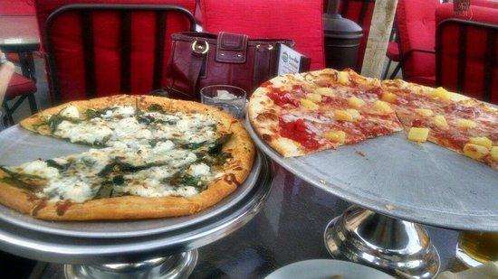 Pizzetta : Gluten Free on the left and Hawaiian regular on the right.