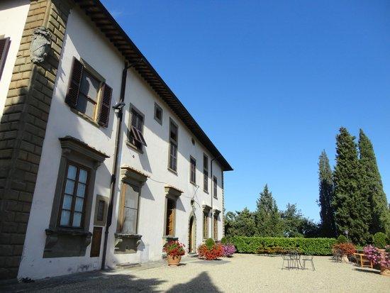 Piscina - Picture of Castello Vicchiomaggio, Greve in Chianti - TripAdvisor