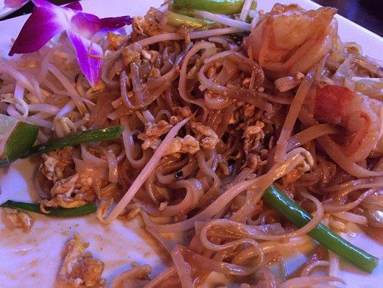 Kontiki: Pad thai