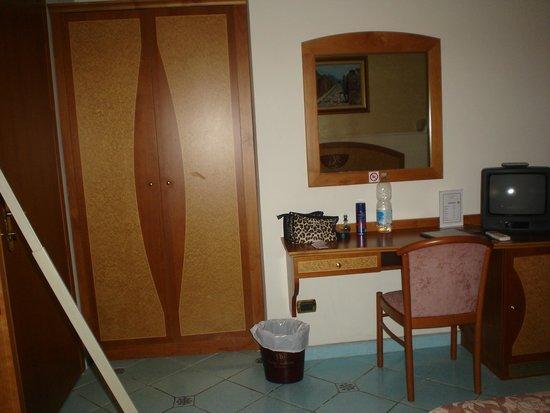 Hotel Savoia: outro ângulo do quarto