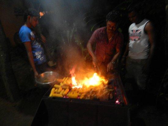 Sisira's River Lounge: BBQ Night