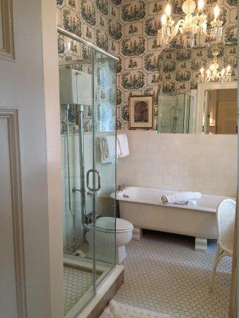 Blantyre: bathroom of Blue Room