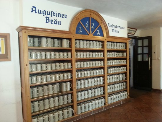 Augustiner Braustubl : The wall of mugs.