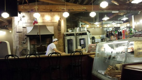 St Honore Bakery: The bakers are at work in clear view of the customers