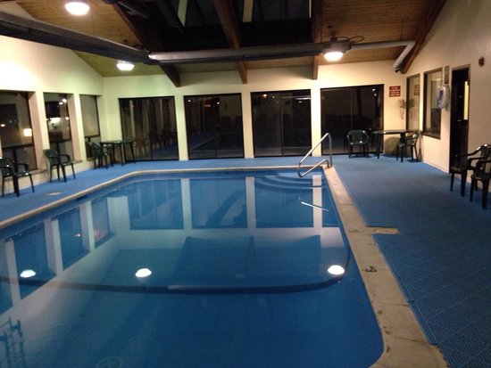 Super 8 Ashland: Pool