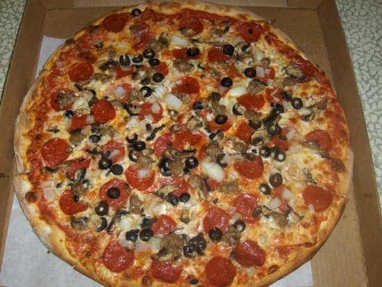 Sami's Pizza & Grill: Grande Pizza, includes five toppings of your choice under $20