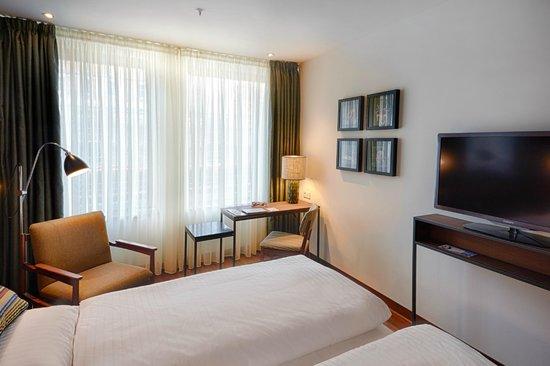 AMERON Hotel Speicherstadt Hamburg Standard Zimmer - Picture of ...