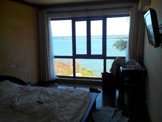 Karibu Lodge: chambre