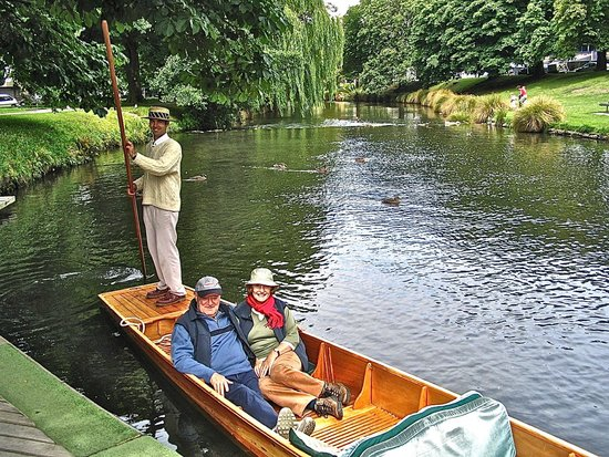 Avon River: Punting on the River before the quake