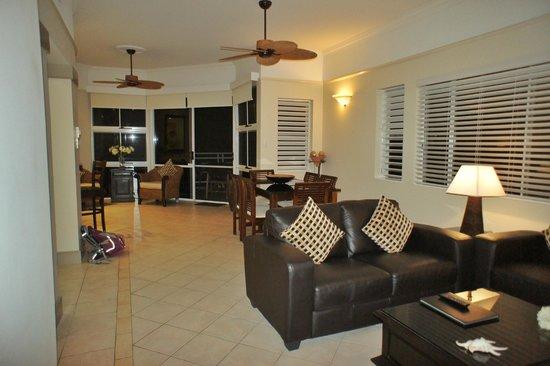 Villa Beach: living room