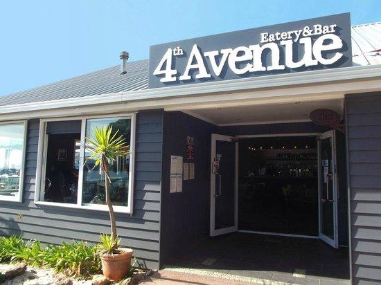 4th Avenue Eatery & Bar: t12ca