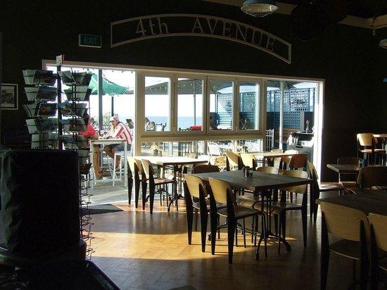 4th Avenue Eatery & Bar: nm2141