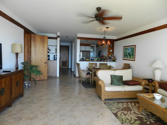 Whalers Cove Resort: large living areas
