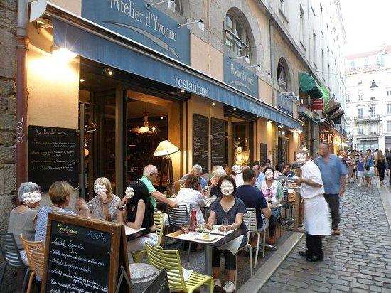 La palette d 39 yvonne picture of l 39 atelier d 39 yvonne lyon for Atelier cuisine lyon
