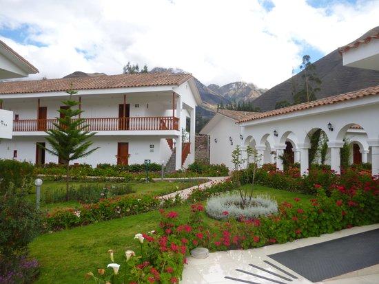 Hotel Agusto's Cusco : ホテルの外観