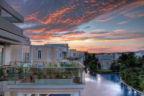 Blue Lagoon Resort Hua Hin: Beautiful Sunrises and Sunsets