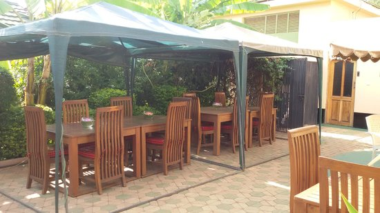 Korona House: Outside Dining