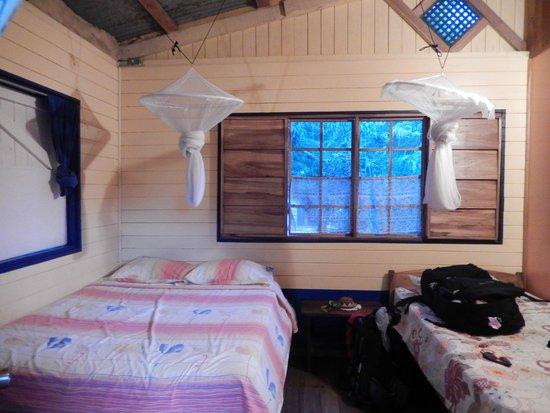 Hotel Los Suenos: Cabin-like room