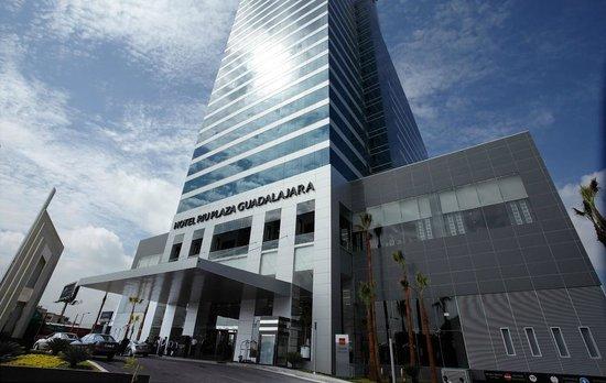 Hotel Riu Plaza Guadalajara: Main entrance