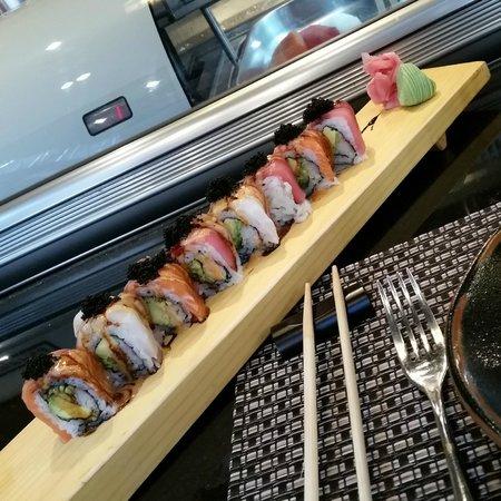 Sakura Japanese Restaurant: Rainbow maki rolls