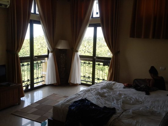The Manor at Puerto Galera: second floor room