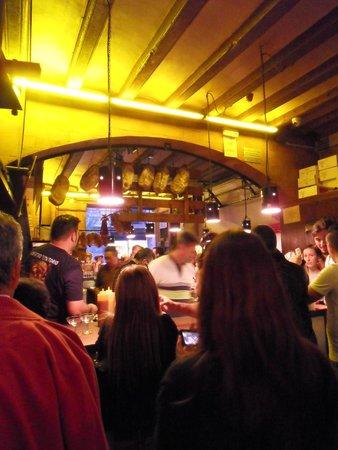 Can Paixano (La Xampanyeria): à l'intérieur