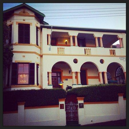 Esperanza Guest House : Front view