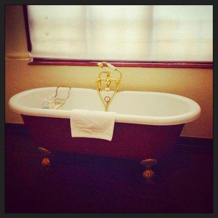 Esperanza Guest House : Victorian bath