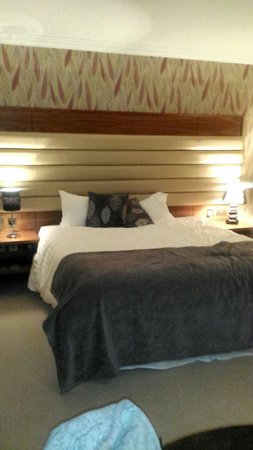 Westport Country Lodge Hotel: Really comfortable bed