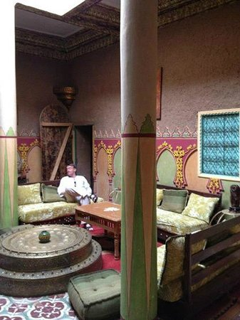 Kasbah La Fibule du Draa: The fabled dining room