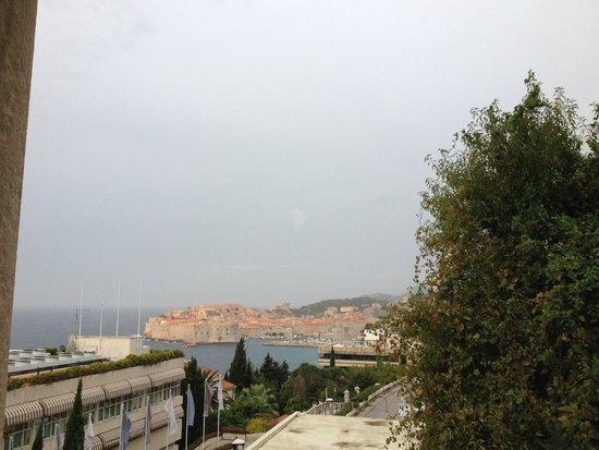 Villa Glavic Dubrovnik: Uitzicht vanuit het balkon van de hoekkamer.