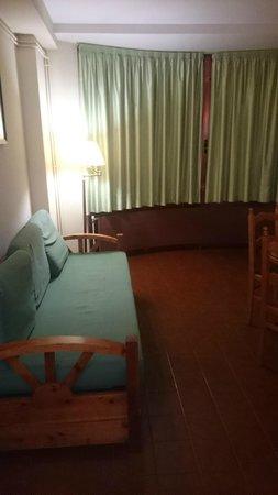 Hotel & Aparthotel Cosmos : El sofa era un poquito incomodo
