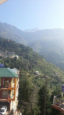 8 Auspicious Him View Hotel: Utsikt från rummet