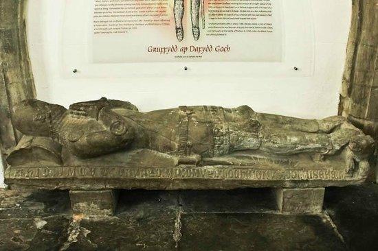 St. Michael's Old Church: 14th century effigy, St. Michael's Church