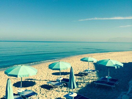 Hotel La Battigia: private beach