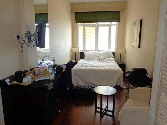 Renuka City Hotel: Rectangular bedroom