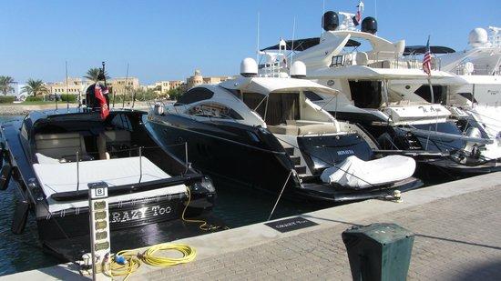 Abu Tig Marina: mooie boten in de haven