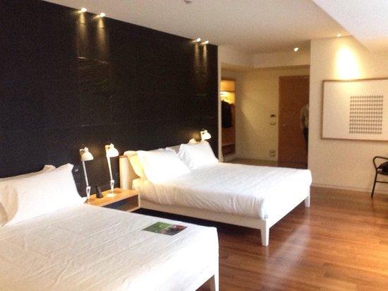 Hotel Plaza: Big and spacious room, comfy beds