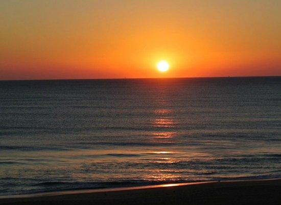 The Oceanfront Inn: Sunrise from our balcony.