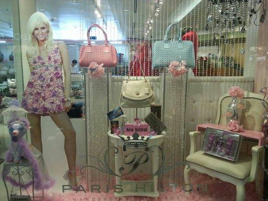 Micronesia Mall: パリスヒルトンさんプロデュースのお店です