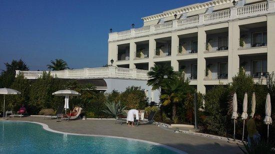 Palace Hotel: Dalla piscina