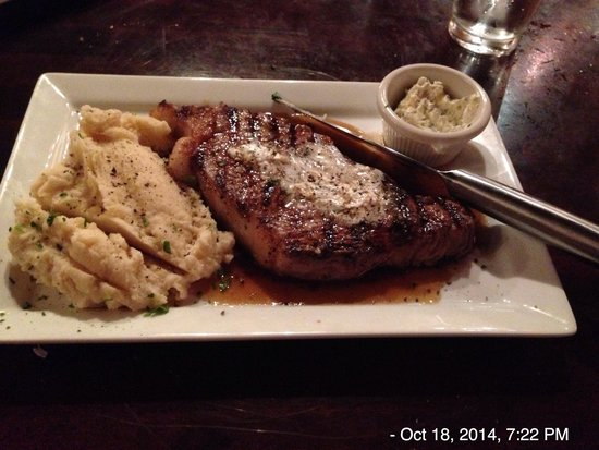 Redwood Lodge: New York Strip Steak with garlic butter
