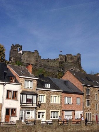 Chateau Feodal: de overblijfselen uit de geschiedenis
