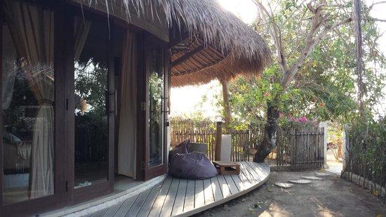 "La Joya II Biu-Biu : Devant la chambre, dans un ""mini jardin"" personnel"