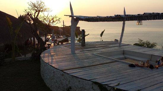La Joya II Biu-Biu : Coucher de soleil vu de l'espace piscine/transats/repos