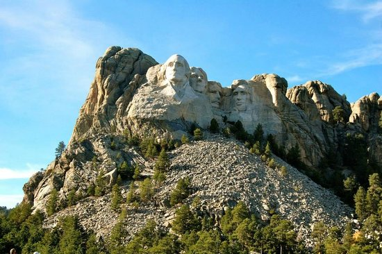 Americas Best Value Inn : Mt. Rushmore is close and easy to get to from this hotel.